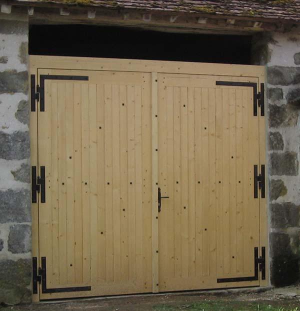 Portail - Porte de grange coulissante en bois ...